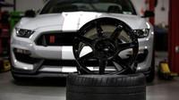 Kola z Karbonu na Ford Mustang Shelby GT350R