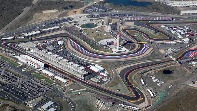 Startovní/cílová rovinka okruhu Circuit of the Americas
