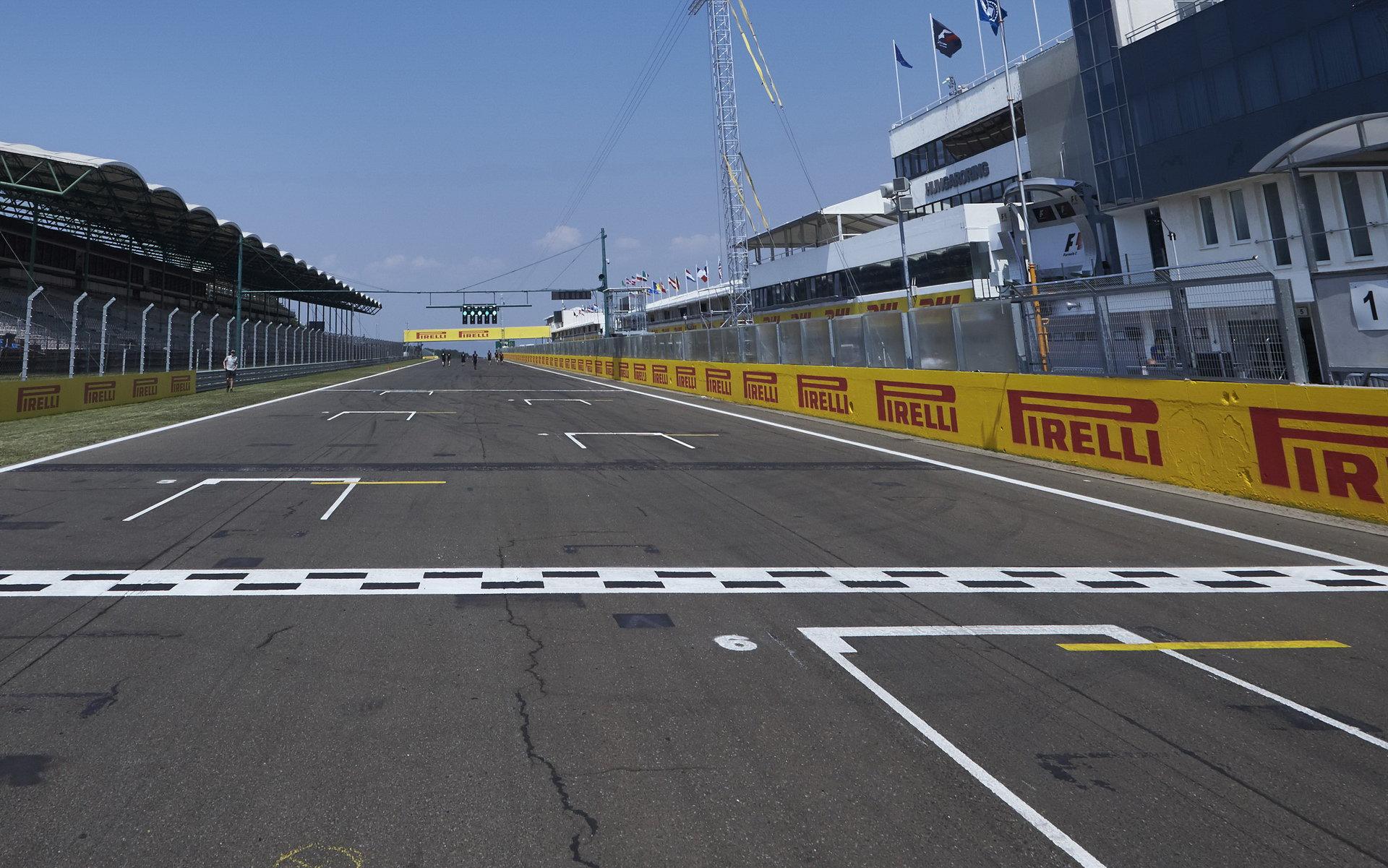 GRAFIKA: Startovní rošt Velké ceny Maďarska - oba McLareny v první desítce - anotační foto