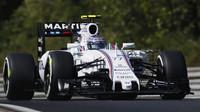 Valtteri Bottas s Williamsem FW37