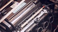 Morgan AR Plus 4 je poháněn dvoulitrovým motorem od slavné společnosti Cosworth.