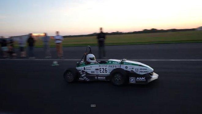 Studentská formule Greenteam-Stuttgart při překonání světového rekordu ve zrychlení z 0 na 100 km/h