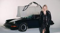 Veterán Porsche 911SC padlo za oběť oděvnímu průmyslu.
