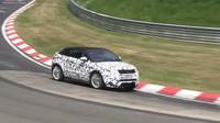 Range Rover Evoque Cabrio se prohání po Nurburgringu