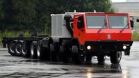 Největší Tatra všech dob vlastní 8 náprav a z toho 6 řiditelných
