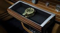 Speciální kompas uvnitř Rolls-Roycu