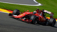 Kimi Räikkönen při kvalifikaci na GP Belgie 2015
