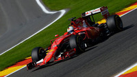 Sebastian Vettel při kvalifikaci na GP Belgie 2015 v monopostu Ferrari SF15-T