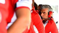 Přestože šéf týmu Maurizio Arrivabene sledoval vše ostřížím zrakem, monoposty Ferrari k nejrychlejším při kvalifikaci nepatřily