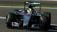 Lewis Hamilton při kvalifikaci na GP Belgie 2015 v monopostu Mercedes F1 W06 Hybrid