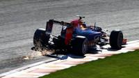 Monopost stáje Red Bull při kvalifikaci na GP Belgie 2015