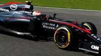 Jenson Button při sobotním přípravném programu před GP Belgie 2015