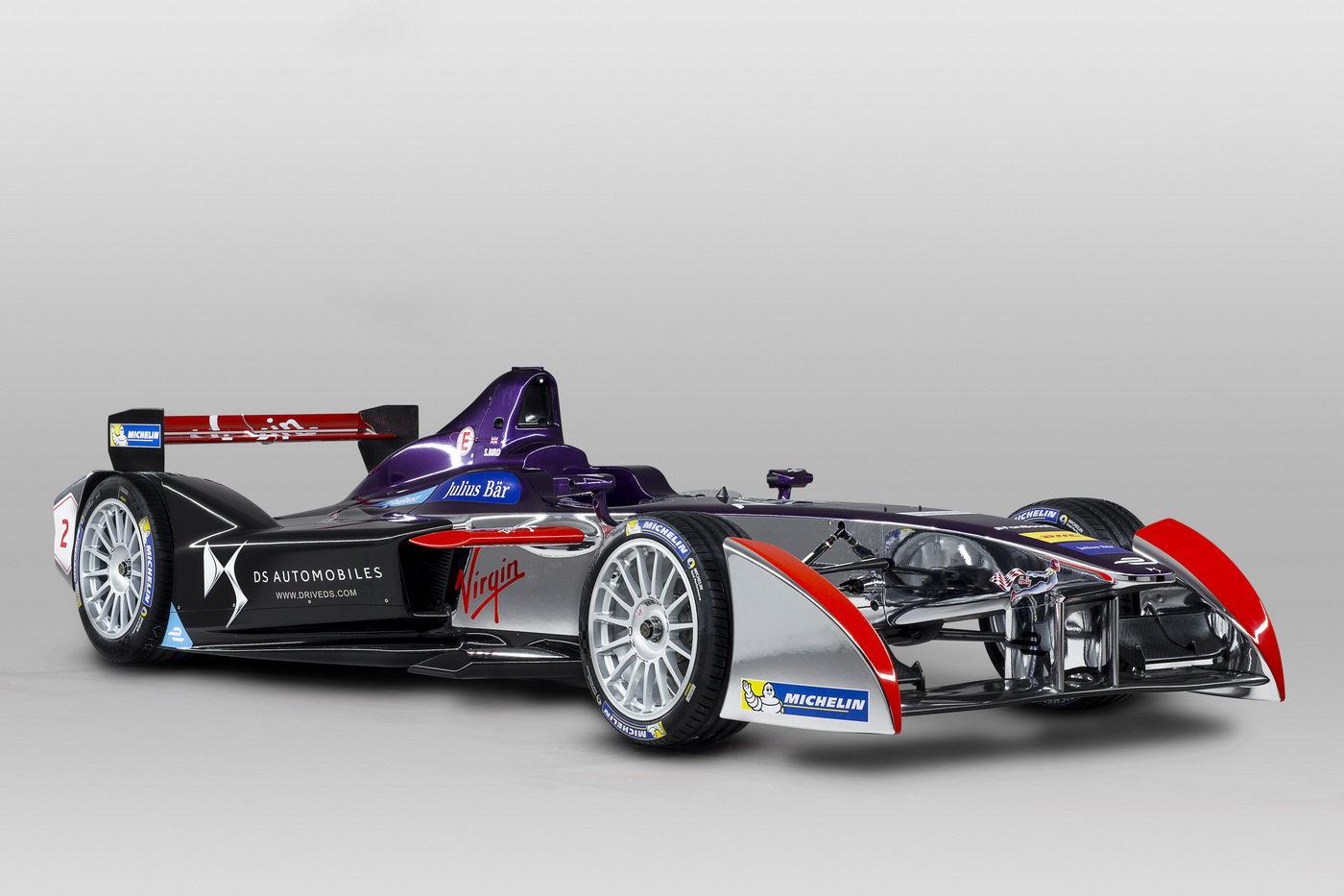 Stáj DS Virgin Racing odhaluje před prvním závodem druhé sezóny mistrovství Formule E FIA nový design svých vozů, v nichž se piloti Sam Bird a Jean-Eric Vergne poprvé objeví během posledních testovacích jízd 24.–25. srpna v Donington Parku.
