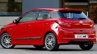 Proti sériové i20 dostal model N Sport jiná kola, větší brzdy a také odlišně nastavený podvozek.