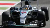 Lewis Hamilton se těší z vítězství, GP Itálie (Monza)