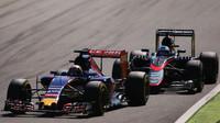 Max Verstappen před Fernandem Alonsem, GP Itálie (Monza)