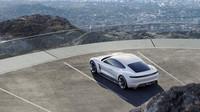 Koncept Porsche Mission E byl první ukázkou nadcházejícího modelu Taycan
