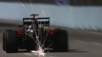 Jenson Button jiskří s aktivovaným DRS systémem