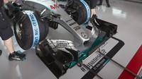Přední křídlo vozu Mercedes F1 W06 Hybrid, GP Japonska (Suzuka)