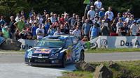 Posádka Andreas Mikkelsen/Ola Floene si připisuje svoje první vítězství ve WRC