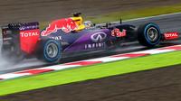 Ecclestone hrozí Red Bullu soudem
