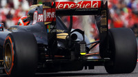 Difuzor a výfuk vozu Lotus E23 - Mercedes v Suzuce