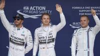 Takhle se sešli Hamilton, Rosberg a Bottas po tréninku v Soči. V Mexiku pak na stupních vítězů.