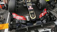 Přední křídlo vozu Lotus E23 - Mercedes v Suzuce