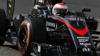 Jenson Button v Suzuce