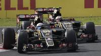 Romain Grosjean a Pastor Maldonado v Suzuce