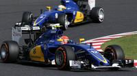 Felipe Nasr a Marcus Ericsson v Suzuce