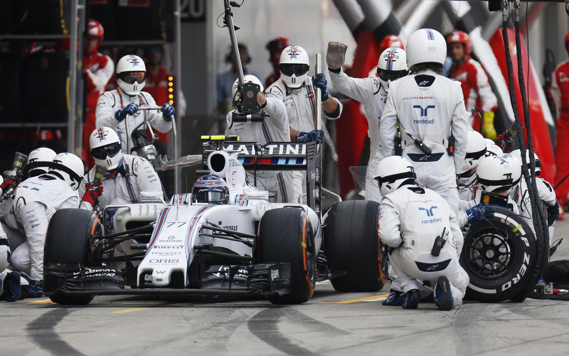 ZASTÁVKY A STRATEGIE: Williams v boxech opět nejrychlejší - anotační foto