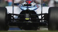 Zadní část vozu Williams FW37 - Mercedes v Suzuce