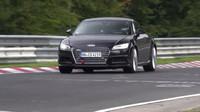 Audi TT RS při testování na Nürburgringu