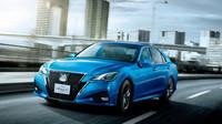 Vyzyvatel německé trojky, Toyota Crown, prošel faceliftem. Dočkáme se ho v Evropě?