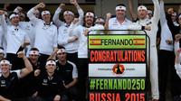 Alonsova oslava 250 závodu v Soči