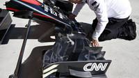 Detail předního křídla vozu McLaren MP4-30 Honda v Soči