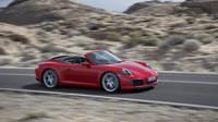 Kabriolet je také dostupný jako Carrera S, omlazené Porsche 911.