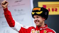 Sebastian Vettel slaví druhé místo v Soči