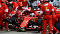 Sebastian Vettel v boxech v Soči