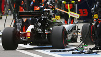 Sergio Pérez si jede pro nové pneumatiky v Soči