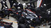 Jenson Button v boxech v Soči
