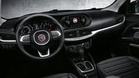 Palubní deska tvarově neoslní, ergonomií však boduje, Fiat Tipo.