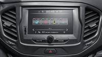 Multimediální systém má sedmipalcovou obrazovku, Lada Vesta.