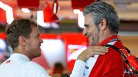 Sebastian Vettel a Maurizio Arrivabene v Austinu