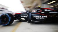 Jenson Button v Austinu vyráží na trať