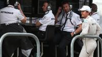 Nico Rosberg na pitwall v Austinu