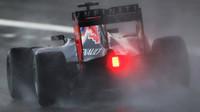 Daniel Ricciardo v dešti v Austinu