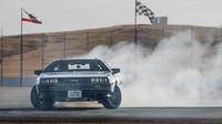 Hodně kouře, to je u driftu vždy efektní, DeLorean DMC-12 - MARTY.