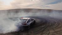 Kouře od zadních pneumatik je skutečně hodně, DeLorean DMC-12 - MARTY.